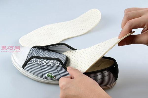 白色网球鞋脏了怎么清洗干净 刷网球鞋方法 4