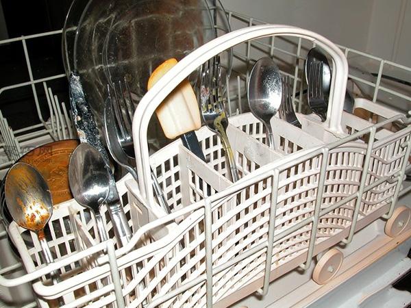 洗碗机怎么装填洗的更干净 家用洗碗机如何用 13