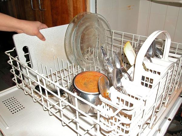 洗碗机怎么装填洗的更干净 家用洗碗机如何用 14