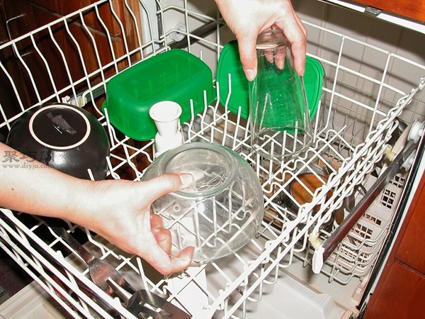 洗碗机怎么装填洗的更干净 家用洗碗机如何用 18