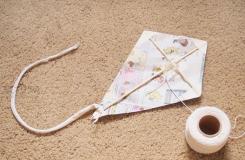 儿童手工DIY风筝教程 教你制作传统菱形风筝的方法