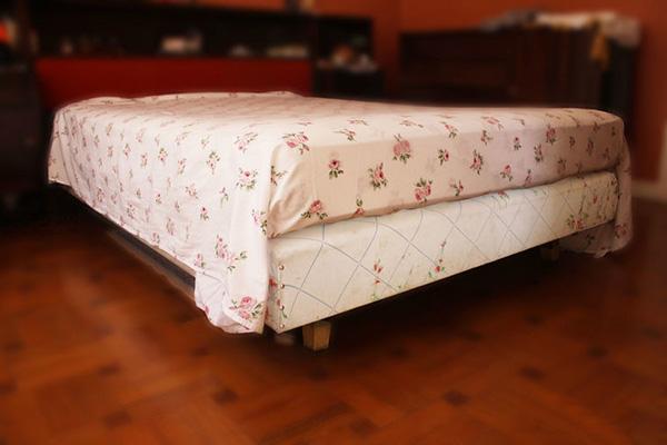 快速折叠床单角方法 教你床单边角怎么窝 2