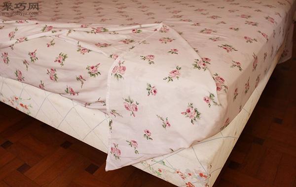 快速折叠床单角方法 教你床单边角怎么窝 3