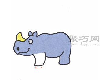 犀牛简笔画的画法步骤4