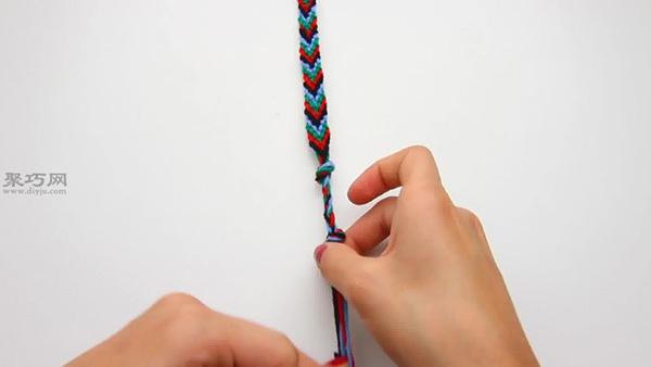怎样编织V形手绳