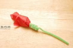 怎么折纸玫瑰 用纸巾折朵花图解教程