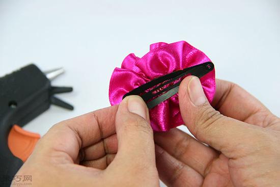 如何做玫瑰形缎带结 24
