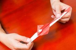 怎么用纸做宝剑 用折折宝剑教程