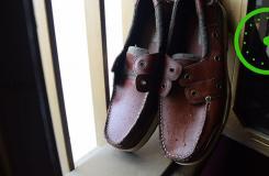 怎么样使用皮革清洁剂清洁帆船鞋 来看清洁Sperry帆船鞋步骤