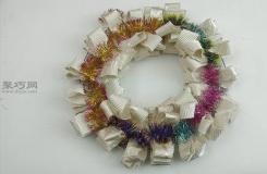 手工制作卷边花环步骤 来看如何做装饰网花环