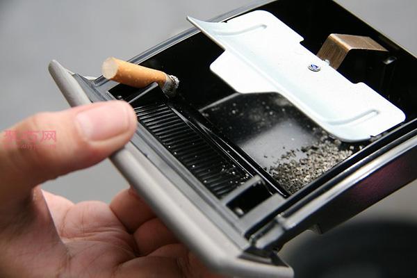 如何彻底清理车内烟味 3