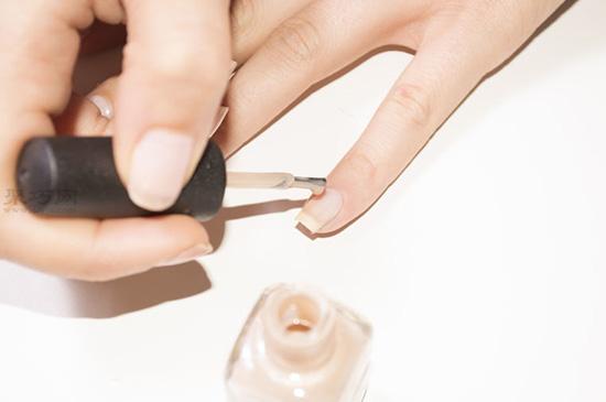 用丙烯颜料荧光粉diy指甲油步骤 15