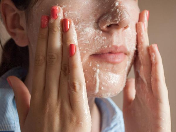 用洁面霜和糖做磨砂膏怎么 4