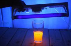 怎么样让水发光 用荧光笔让水发光图解教程
