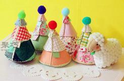 DIY布艺小玩具:手工制作布艺圣诞树