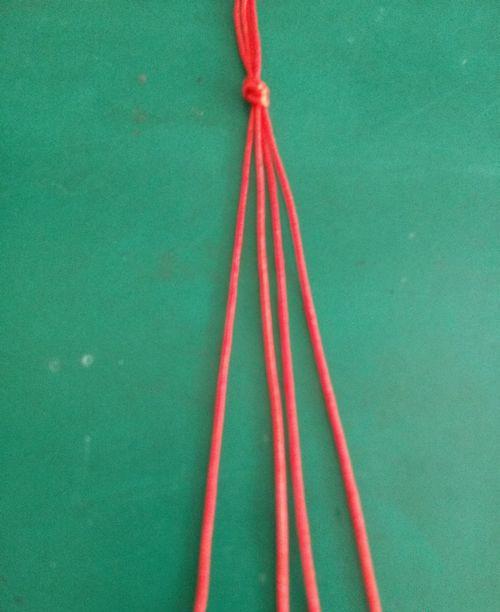 红绳子织珠子手链编法教程