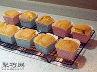 怎么做蛋香十足的纸杯蛋糕10