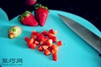 怎么做草莓香蕉麦芬纸杯蛋糕好吃5