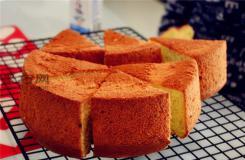 如何做八寸香蕉椰蓉戚风蛋糕 香蕉水果蛋糕的做法