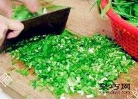 鲜嫩韭菜虾肉猪肉饺子馅拌法 饺子包法木鱼饺2