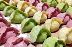 多色蔬菜猪肉水饺做法 蔬菜饺子皮怎么做