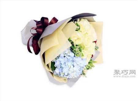 白玫瑰之雪山玫瑰花语是什么?送白玫瑰的寓意是什么?