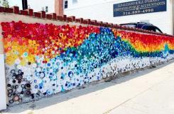 饮料瓶变废为宝创意制作漂亮的彩虹墙