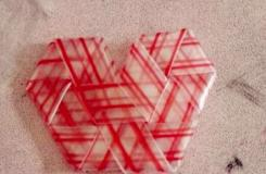 一次性塑料吸管手工折叠爱心形教程 吸管折桃心步骤图解