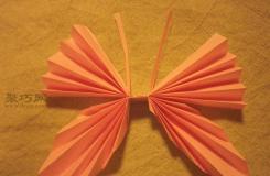 如何用折纸轻松折叠美丽的纸艺蝴蝶