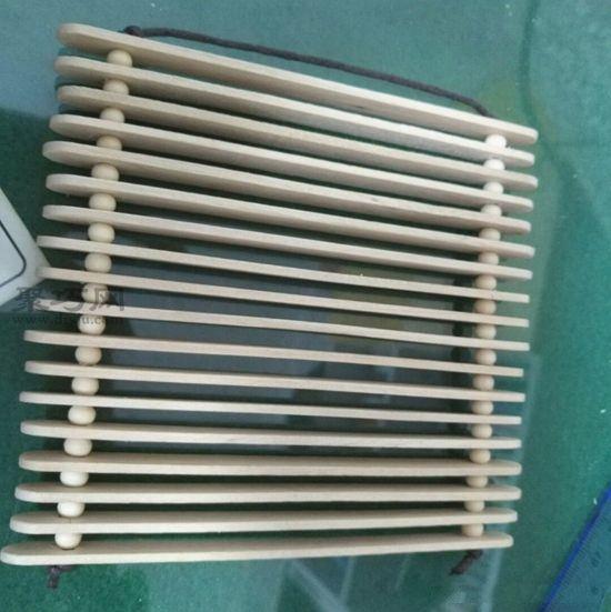 雪糕棍做简易隔热垫