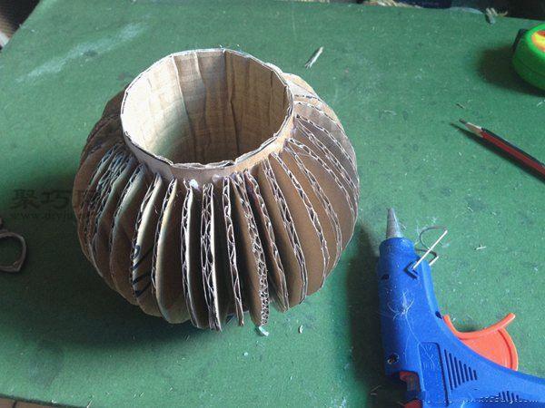 废纸盒和超轻粘土做的花艺摆件 第4步