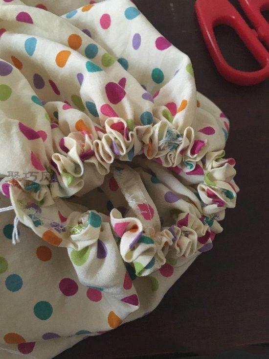 旧睡衣改造甜美靠垫 第4步