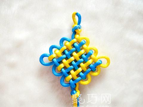 中国结之三回盘长结的入字面