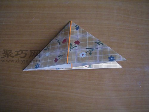 千纸鹤的折法第4步
