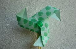 风一吹就能转的三角形纸风车的折法教程 超好看